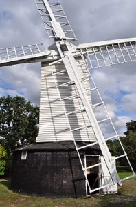 250px-Holton_Mill_-_geograph.org.uk_-_2576668